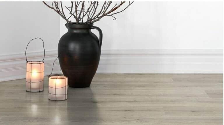 Laminaat lichtgrijs eiken houtlook