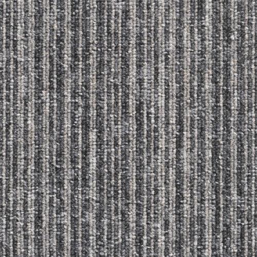 tapijttegels lussenpool grijszwart gestreept